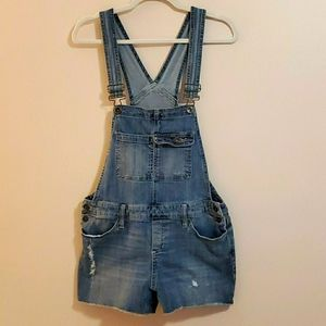 Mossimo distressed overalls size M